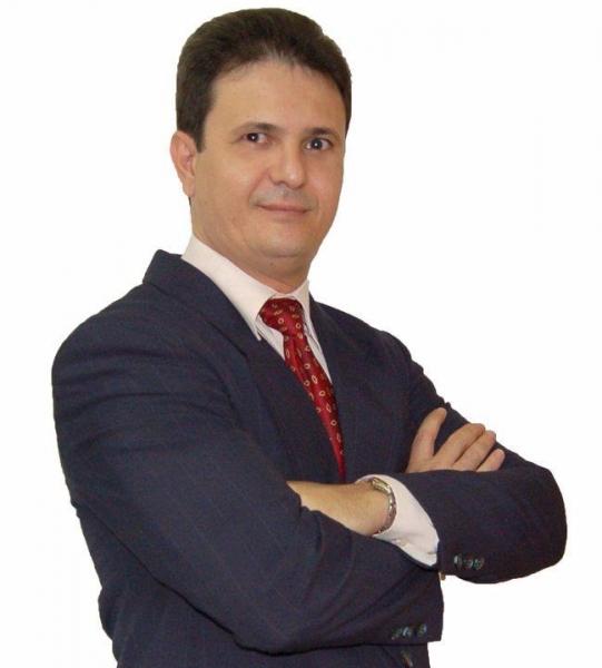 Entrevista com Moacir Gadotti - YouTube